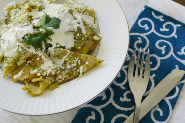 Green Chilaquiles Chilaquiles Verdes Nibbles And Feasts